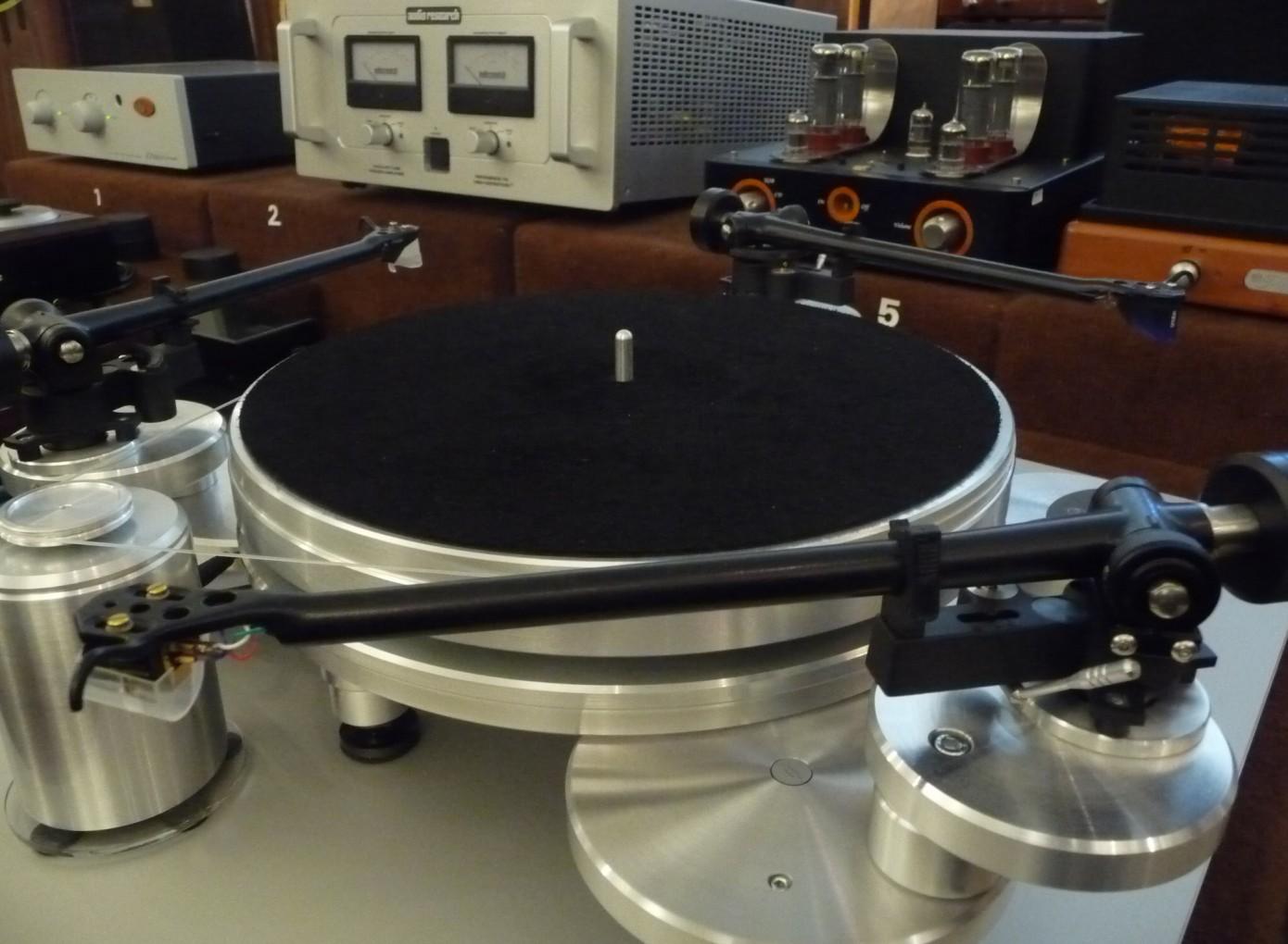 Acoustic-Solid_111_Metall-3x Tonarm-2