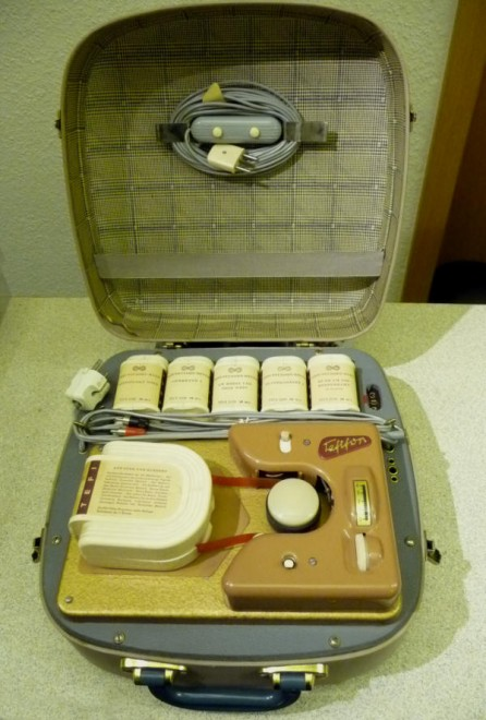 Tefifon im Koffer-1
